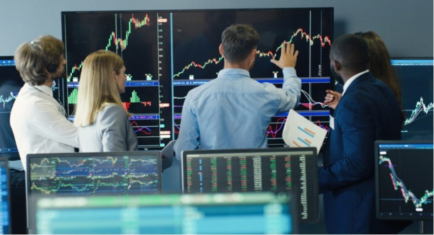 Инвестиционные аналитики с Wall Street